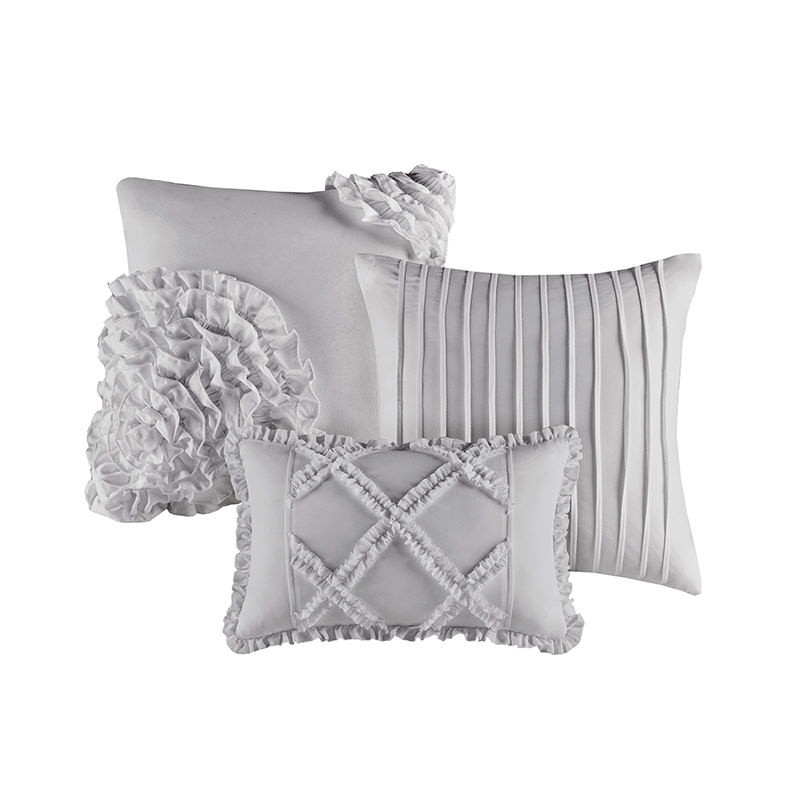queen bedspread with ruffles on aquare sitching