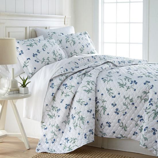 oversized ogeed quilting print bedspread